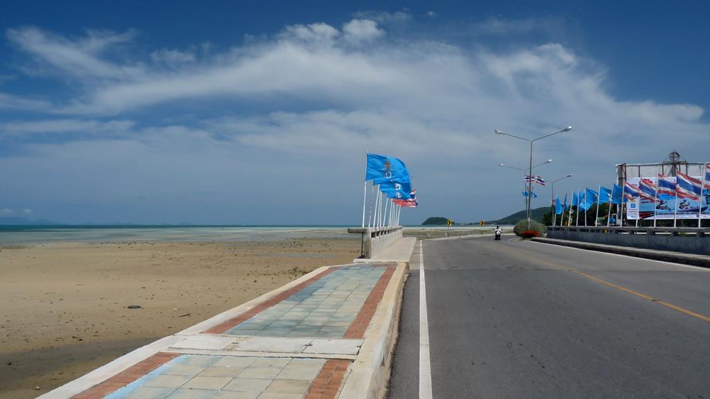 Пляж Натона