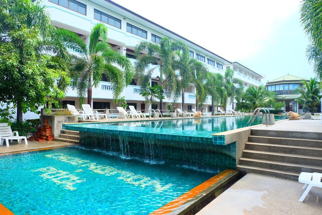 Choeng Mon Beach Hotel