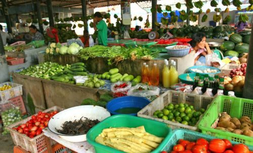Рынок на Натоне