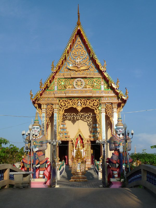 Стражники в храме Плай Лаем
