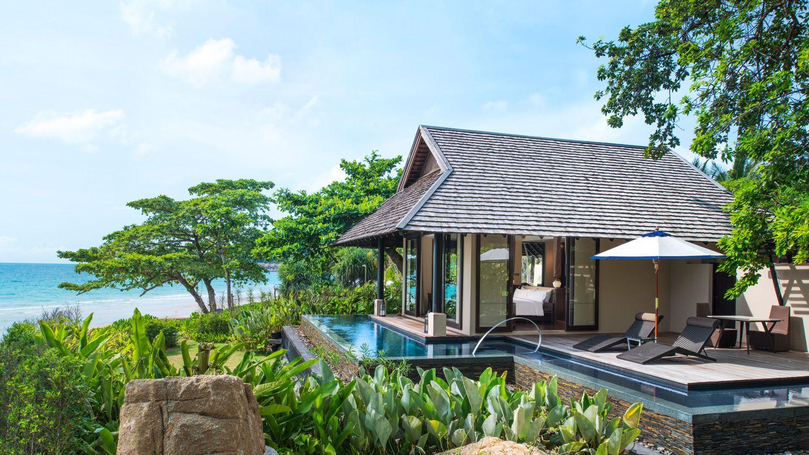 Tropical-Pool-Villa---Exterior